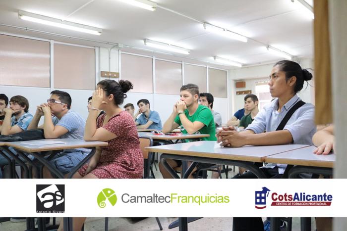4 Presentación del reto en Academia Cots